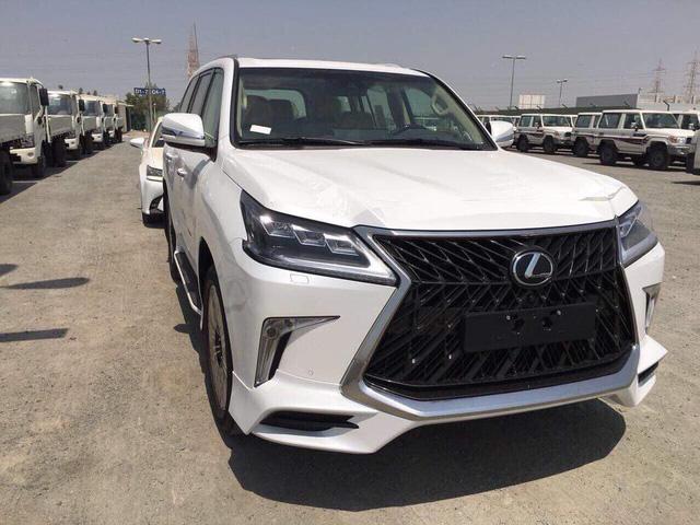 Lexus LX 570 2018,Lexus LX 570 2018 ra mắt, giá xeLexus LX 570 2018, bán xeLexus LX 570 2018, đánh giá xeLexus LX 570 2018, Lexus LX570 Superior 2018,Lexus LX 570 2018 bản đặc biệt