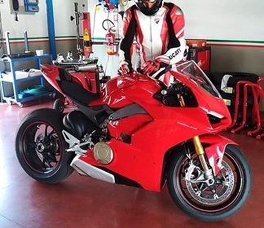 Lộ diện mẫu xe sử dụng động cơ V4 đầu tiên của Ducati