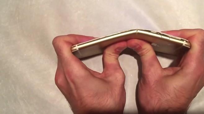 Smartphone màn hình gập của Samsung đã là gì, iPhone 6 làm được từ 4 năm trước mà Apple còn chưa dám khoe đây này! - Ảnh 2.