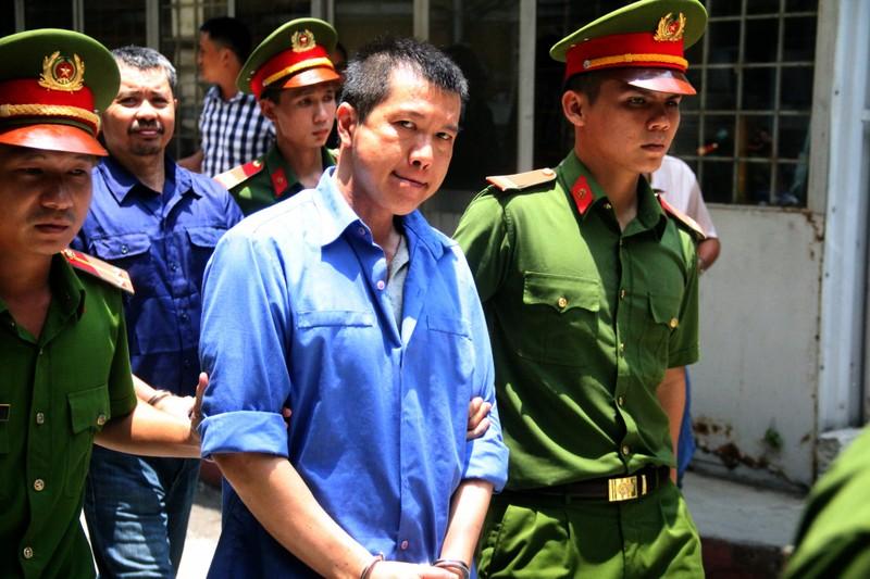 Vụ 'Logo xe vua': Những người đưa hối lộ CSGT sẽ bị xử nặng  - ảnh 2