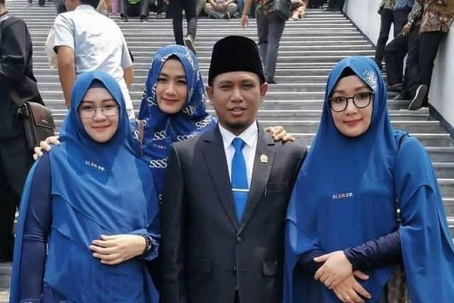 Nghị sĩ Indonesia có 3 vợ nói đa thê là tiếp - Ảnh 1.