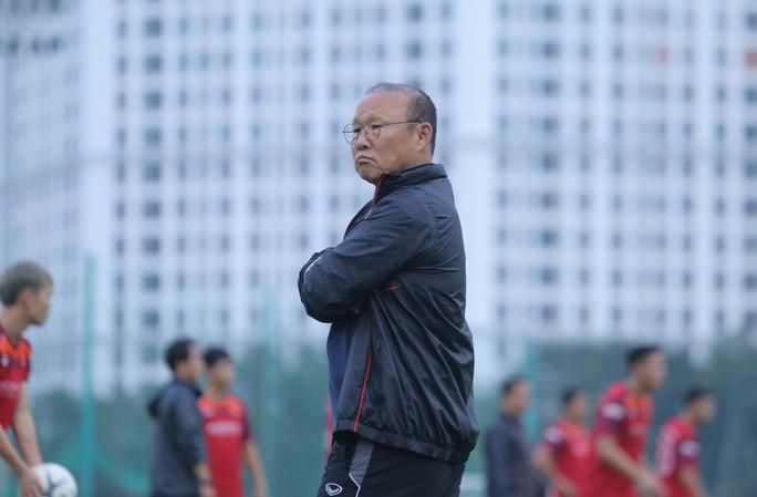 Cận cảnh buổi tập nghiêm túc song thoải mái của đội tuyển bóng đá Việt Nam - Ảnh 16.