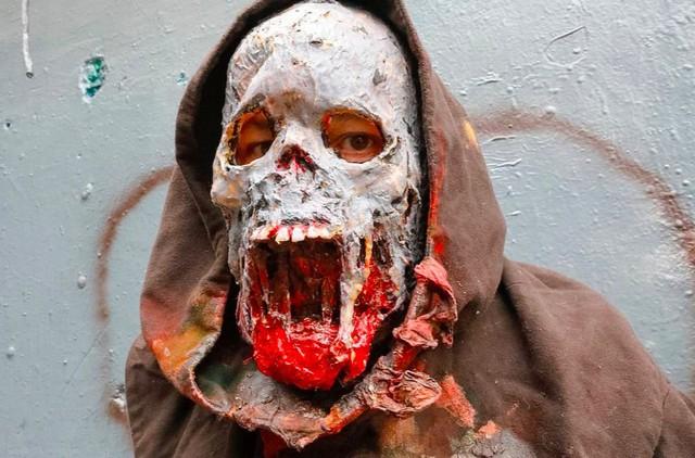 Phát hãi với hình ảnh London tràn ngập xác sống - Ảnh 10.