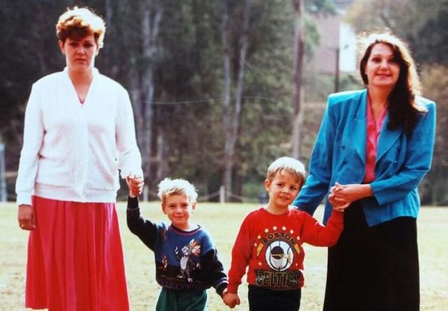 Xót xa cuộc đời trái ngược của hai đứa trẻ bị trao nhầm  - Ảnh 1.