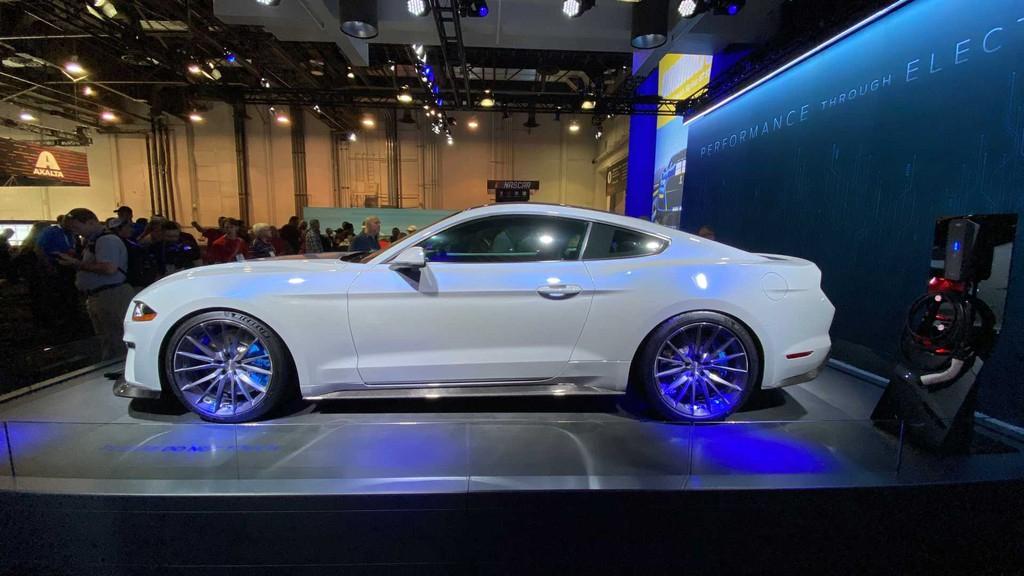Thị trường xe - Ford ra mắt Mustang chạy điện với mô-men xoắn 1.355 Nm (Hình 7).
