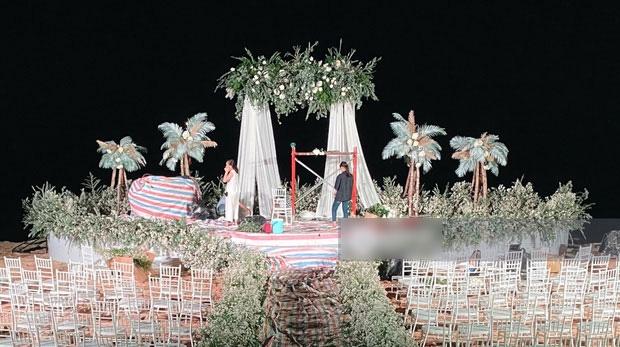 Không gian tiệc cưới cổ tích của Đông Nhi - Ông Cao Thắng - Ảnh 1.