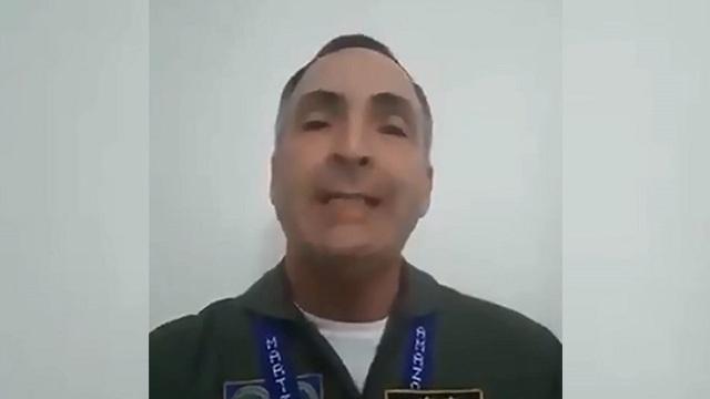"""Tướng cấp cao đương nhiệm đầu tiên của Venezuela công nhận """"tổng thống tự phong"""" - 2"""