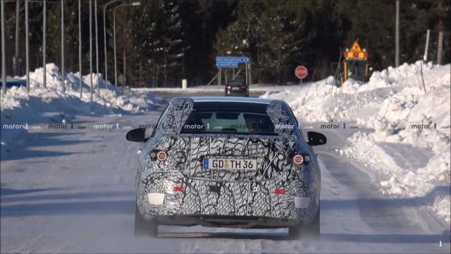 Mercedes-Benz C-Class thế hệ mới vui đùa trong tuyết, hứa hẹn sử dụng khung gầm cải tiến - Ảnh 3.