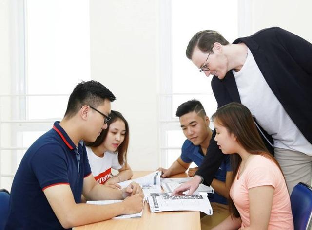 Khám phá bí quyết nâng trình tiếng Anh của sinh viên UEF - Ảnh 2.