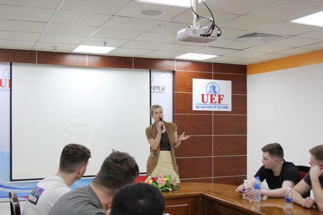 Khám phá bí quyết nâng trình tiếng Anh của sinh viên UEF - Ảnh 1.