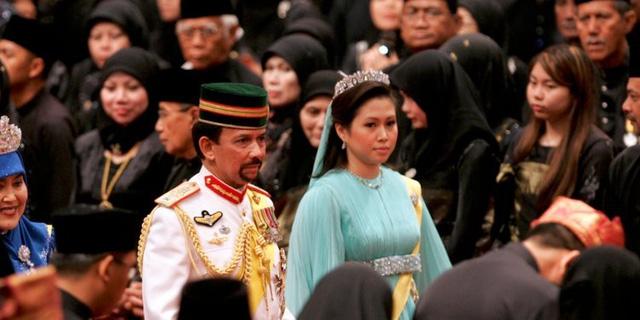 """Quốc vương Brunei giàu có và """"chịu chơi"""" cỡ nào? - Ảnh 15."""