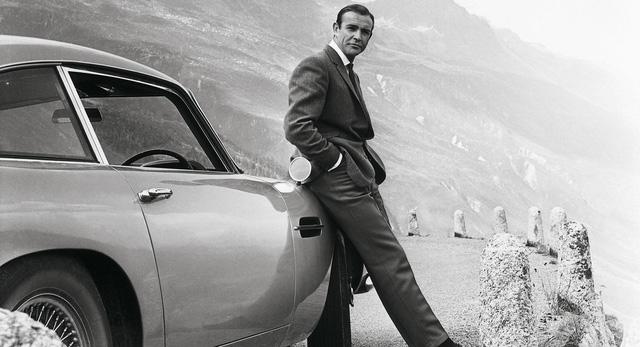 Aston Martin Goldfinger DB5 Continuation trong phim 007 đã xuất hiện ngoài đời thực, giá siêu đắt đỏ với toàn trang bị dị hợm - Ảnh 1.