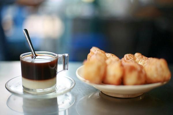 Bạc xỉu - thức uống quen thuộc của người Sài Gòn.