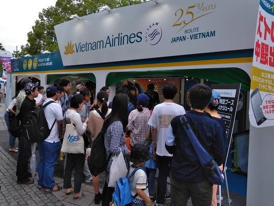 Khách Nhật xếp hàng dài tìm hiểu về sản phẩm du lịch Việt Nam - Ảnh 8.