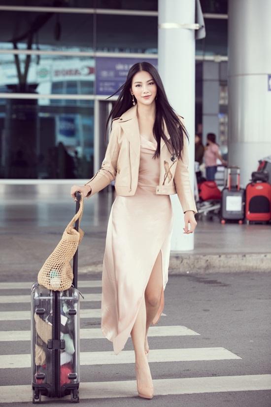 Phương Khánh khoe nhan sắc nữ thần khi lên đường chấm thi quốc tế - Ảnh 2