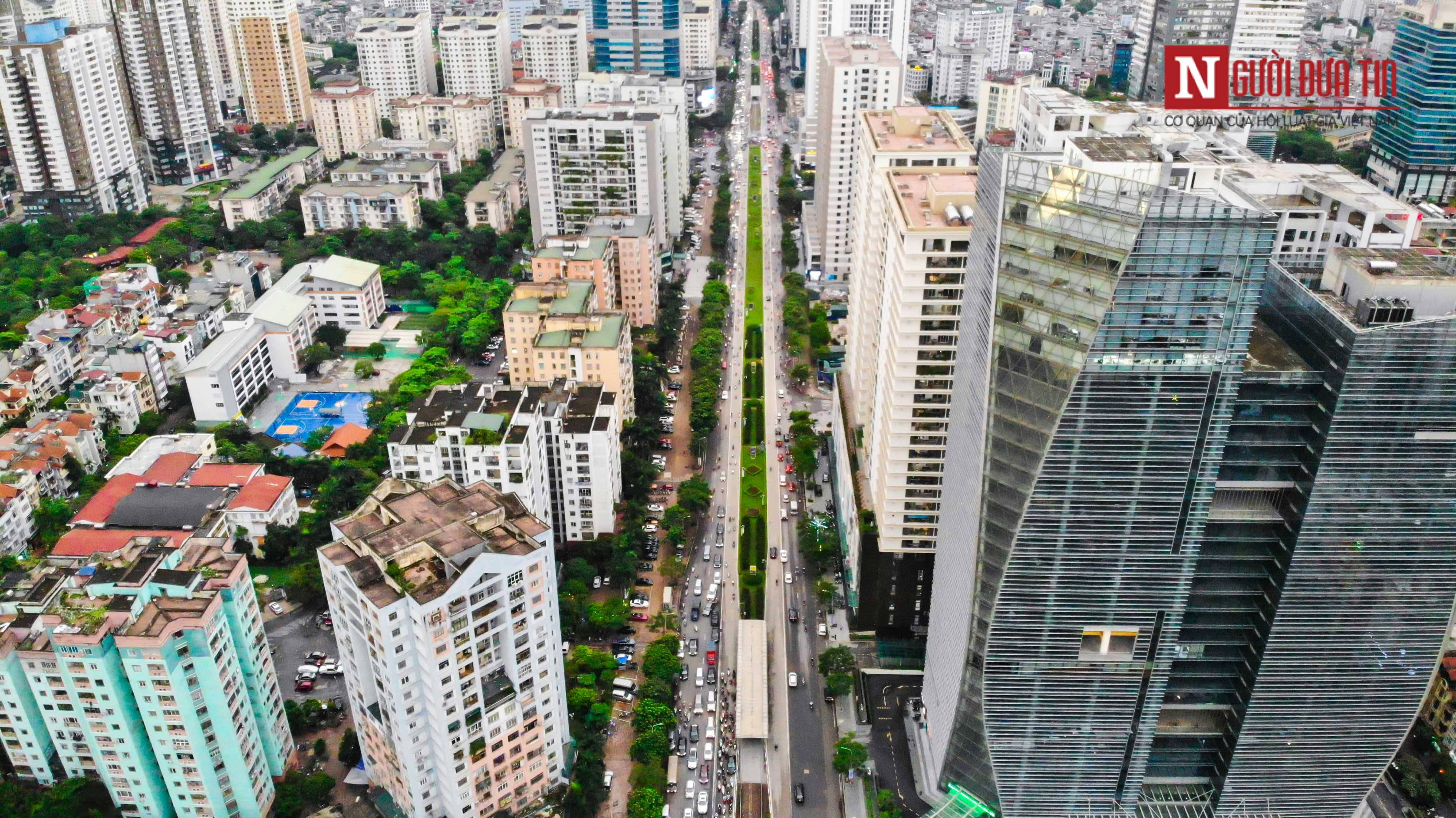 Bất động sản - Cận cảnh tuyến đường dài 2km cõng tới 40 toà nhà cao ốc tại Thủ đô (Hình 5).