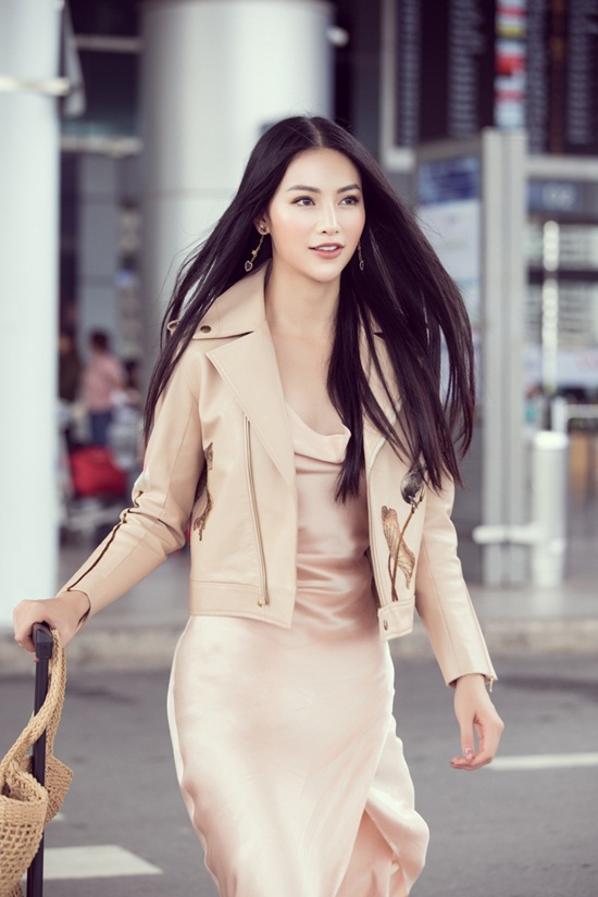 Phương Khánh khoe nhan sắc nữ thần khi lên đường chấm thi quốc tế - Ảnh 3