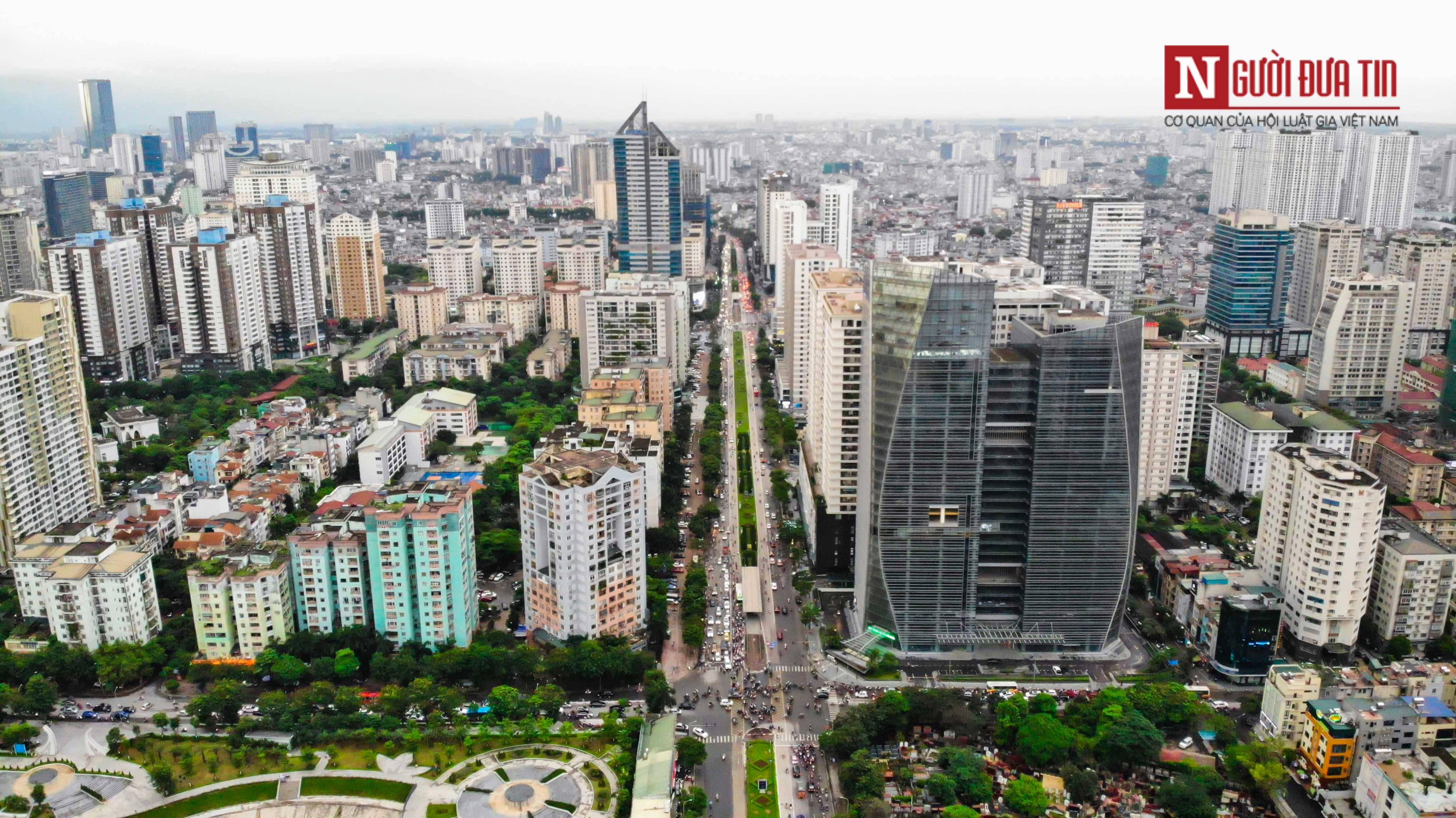 Bất động sản - Cận cảnh tuyến đường dài 2km cõng tới 40 toà nhà cao ốc tại Thủ đô (Hình 3).