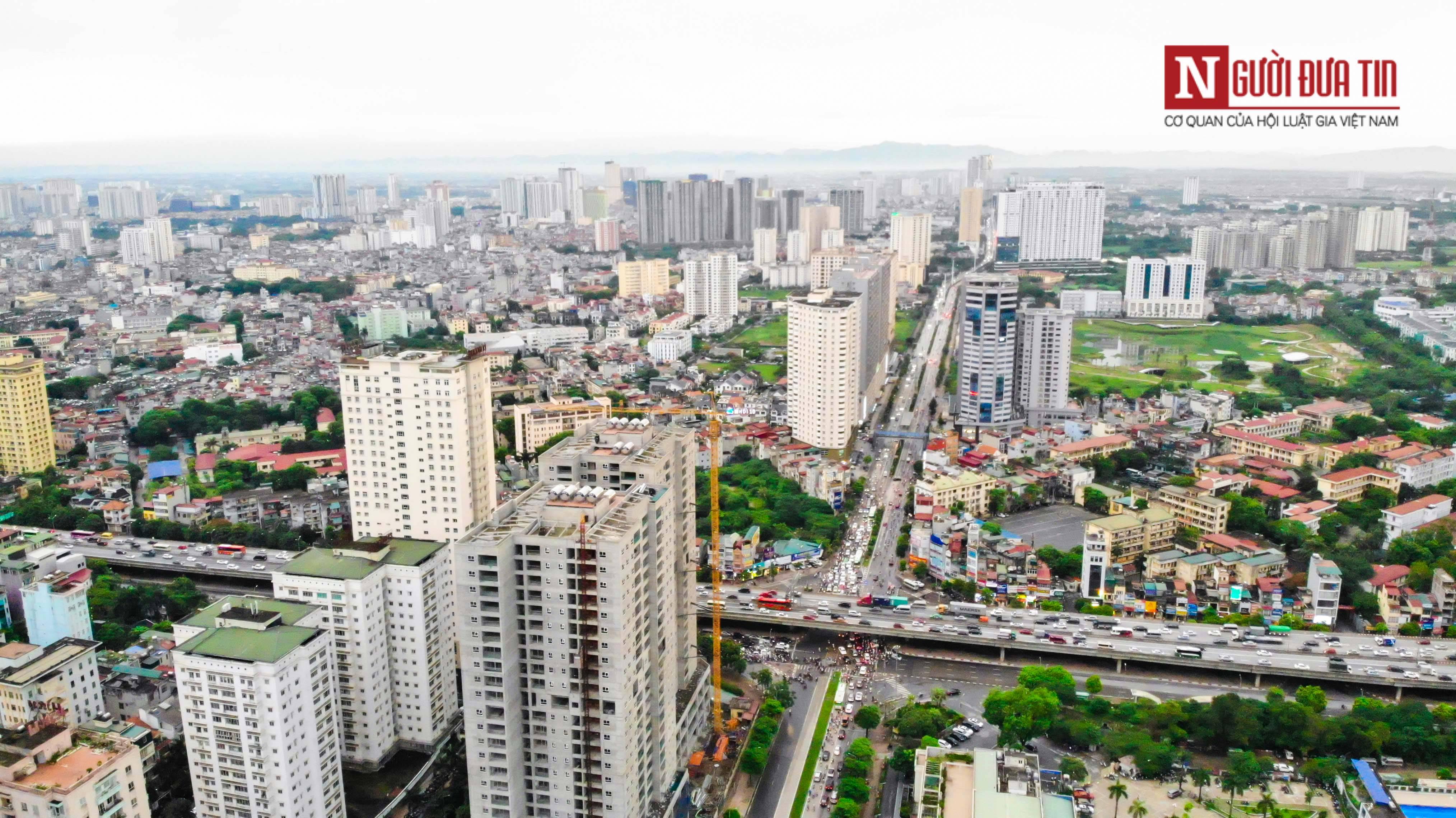 Bất động sản - Cận cảnh tuyến đường dài 2km cõng tới 40 toà nhà cao ốc tại Thủ đô