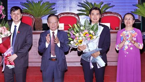 Ông Hoàng Quốc Khánh (thứ hai từ phải sang). Ảnh: PV.