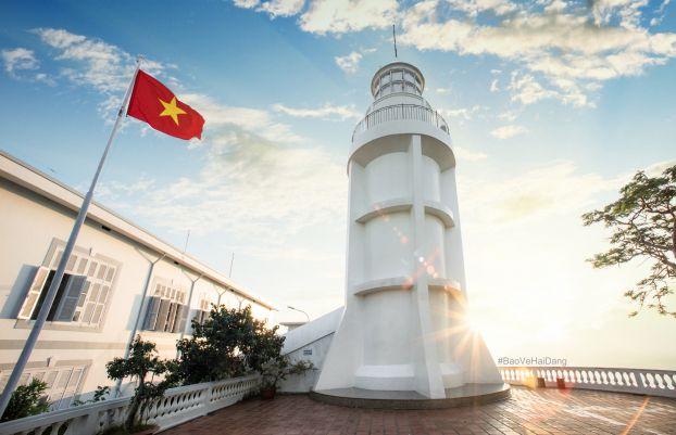 'Tấm áo mới' cho ngọn hải đăng Vũng Tàu 2