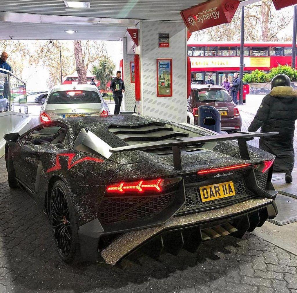 Sản phẩm - Clip: Cận cảnh chiếc Lamborghini Aventador SV đính 2 triệu viên kim cương