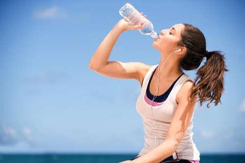 Những người dễ đột quỵ khi nắng nóng, cần biết để khỏi mất mạng - ảnh 1