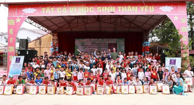 Nữ tỷ phú Việt và cuộc trò chuyện cùng đoàn học sinh trường hoàng gia thế giới - ảnh 2