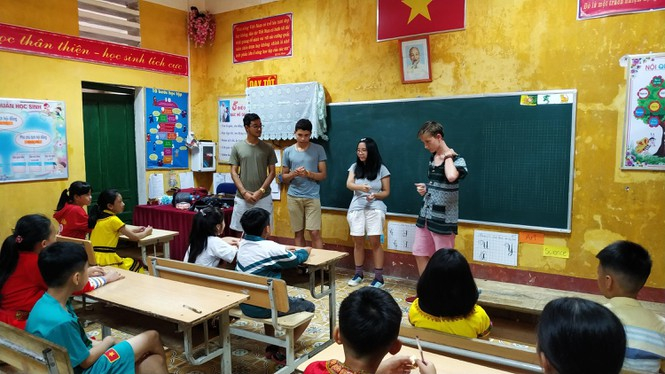 Nữ tỷ phú Việt và cuộc trò chuyện cùng đoàn học sinh trường hoàng gia thế giới - ảnh 4
