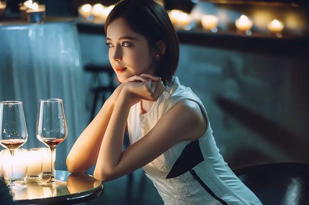Phụ nữ đừng nghĩ lấy chồng xong là mất giá để rồi héo hon mờ nhạt trong chính cuộc hôn nhân của mình - Ảnh 2.