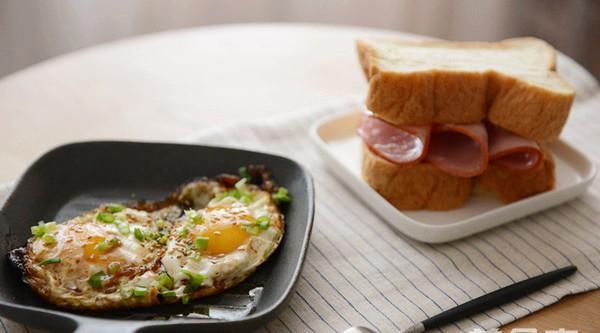 Các món ăn sáng ngon lại dễ làm, chồng con không phải tốn tiền ra ngoài hàng - Ảnh 3.