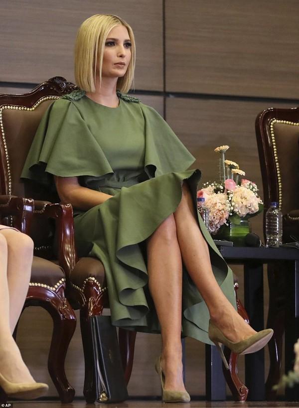 Ivanka Trump - con gái Tổng thống Mỹ lại gây sửng sốt bởi nhan sắc sexy hớp hồn phái mạnh - Ảnh 8.