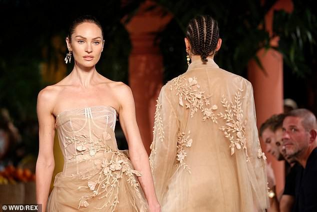 Irina Shayk và Candice Swanepoel đẹp động lòng người gây 'bão' sàn catwalk  - ảnh 8