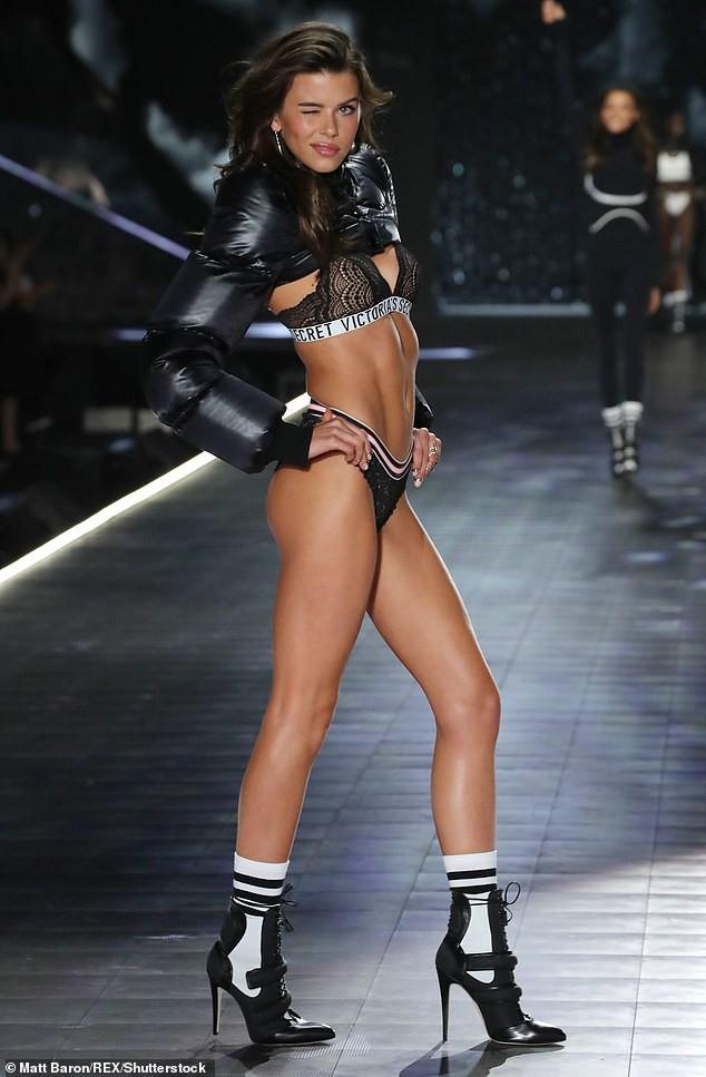 'Chân dài' Georgia Fowler eo thon ngực đầy nóng bỏng - ảnh 20
