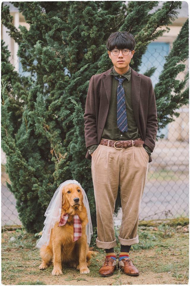 Chưa có người yêu, chàng trai đành chụp ảnh với chó cưng - ảnh 5