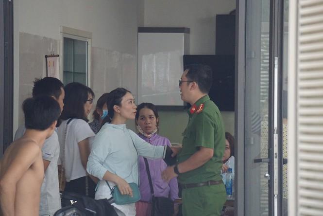 Đà Nẵng: Vỡ nợ cả trăm tỷ, dân vây nhà một phụ nữ - ảnh 1