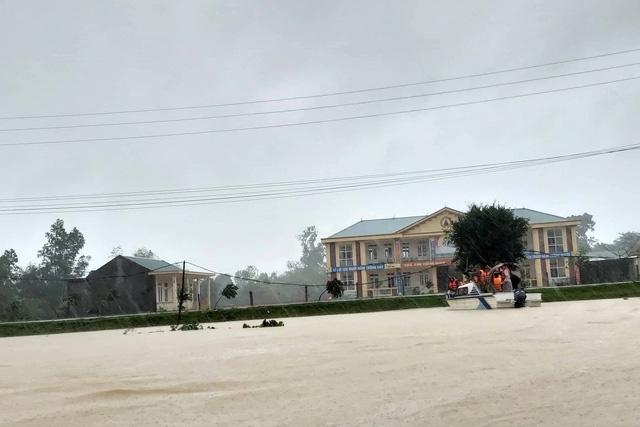 Hội đồng hương Hà Tĩnh tại Hà Nội phối hợp Báo Gia đình và Xã hội kêu gọi chung tay giúp đỡ đồng bào bị bão lụt - Ảnh 2.